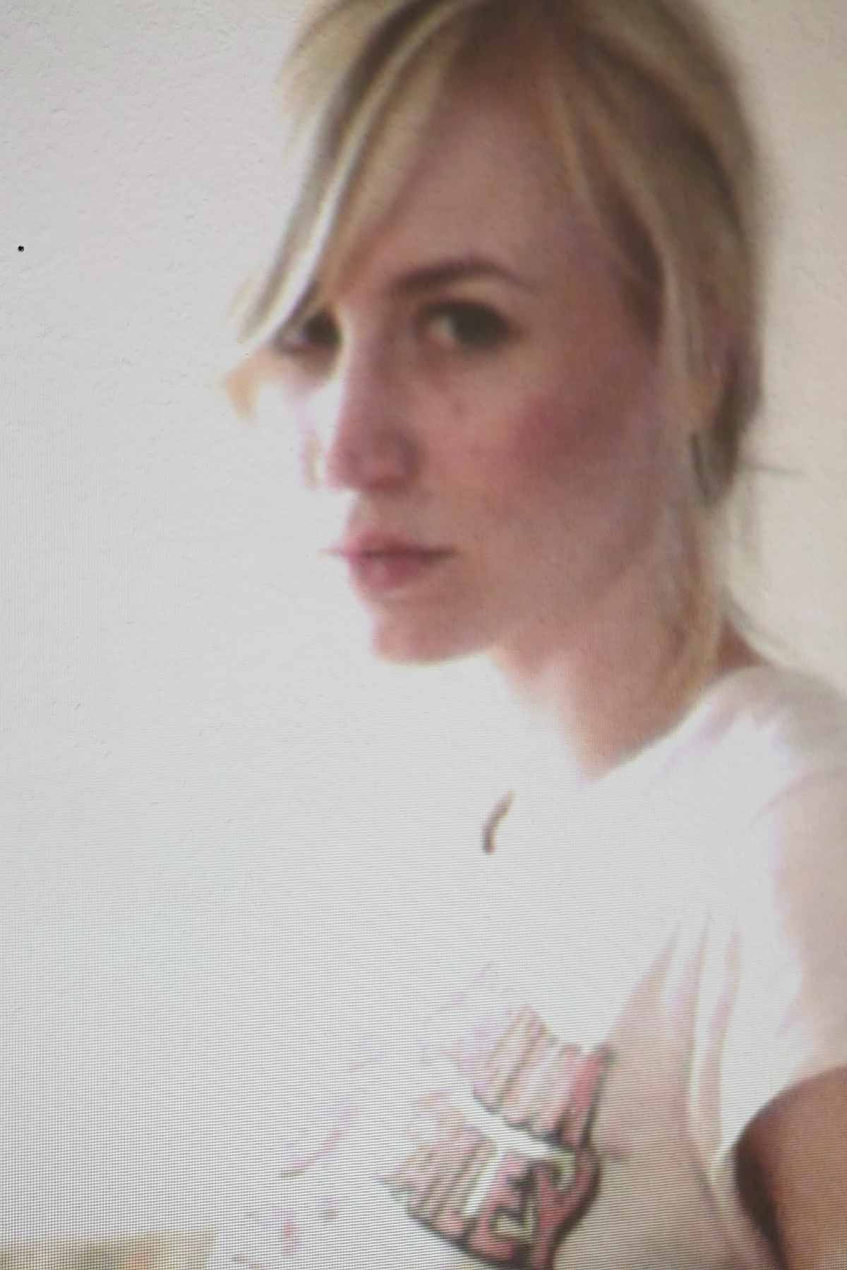STEFANIE, 25, DUESSELDORF, GERMANY