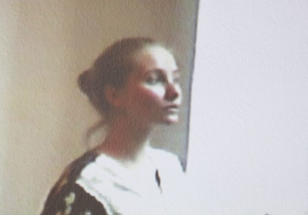 LILI, 19, BERLIN, GERMANY