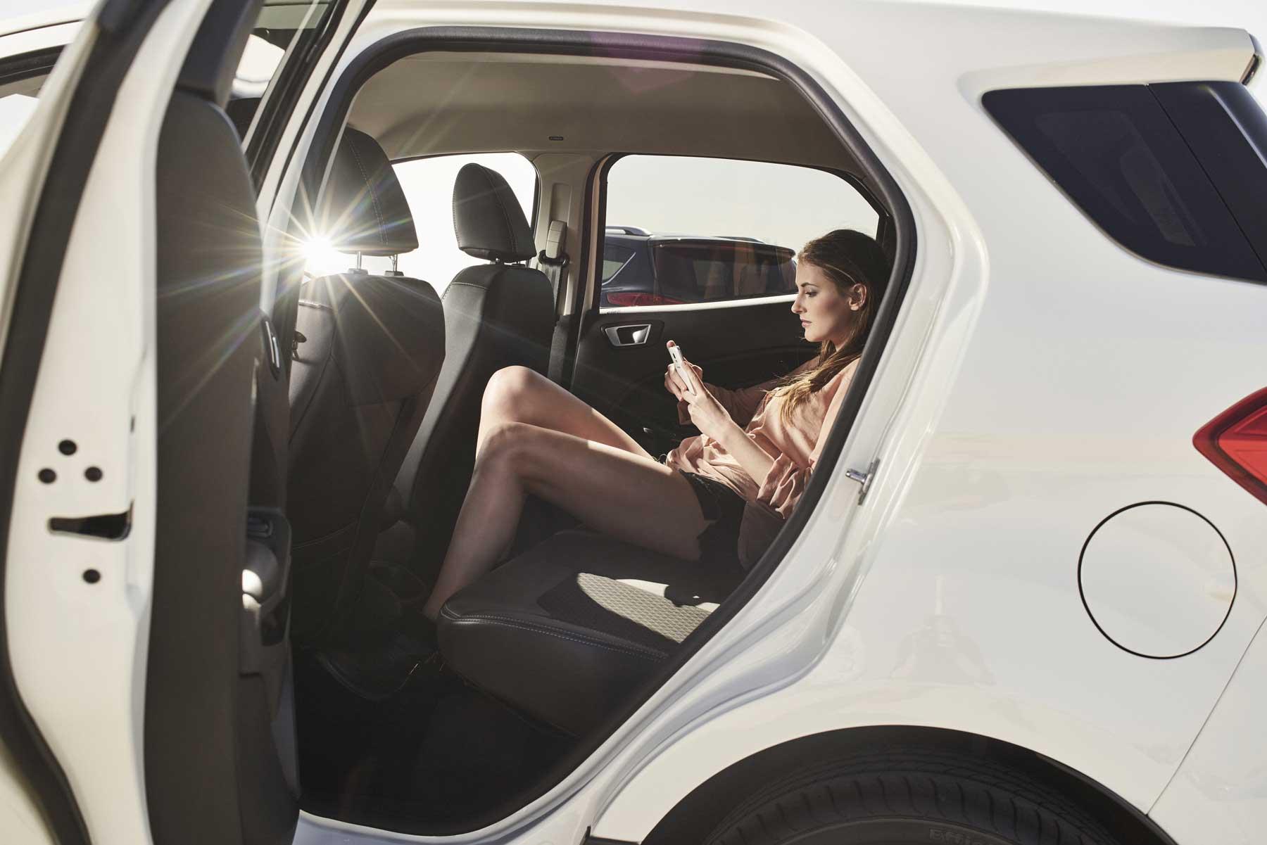 SUV Boom ford2016_suv-family_millenials_10