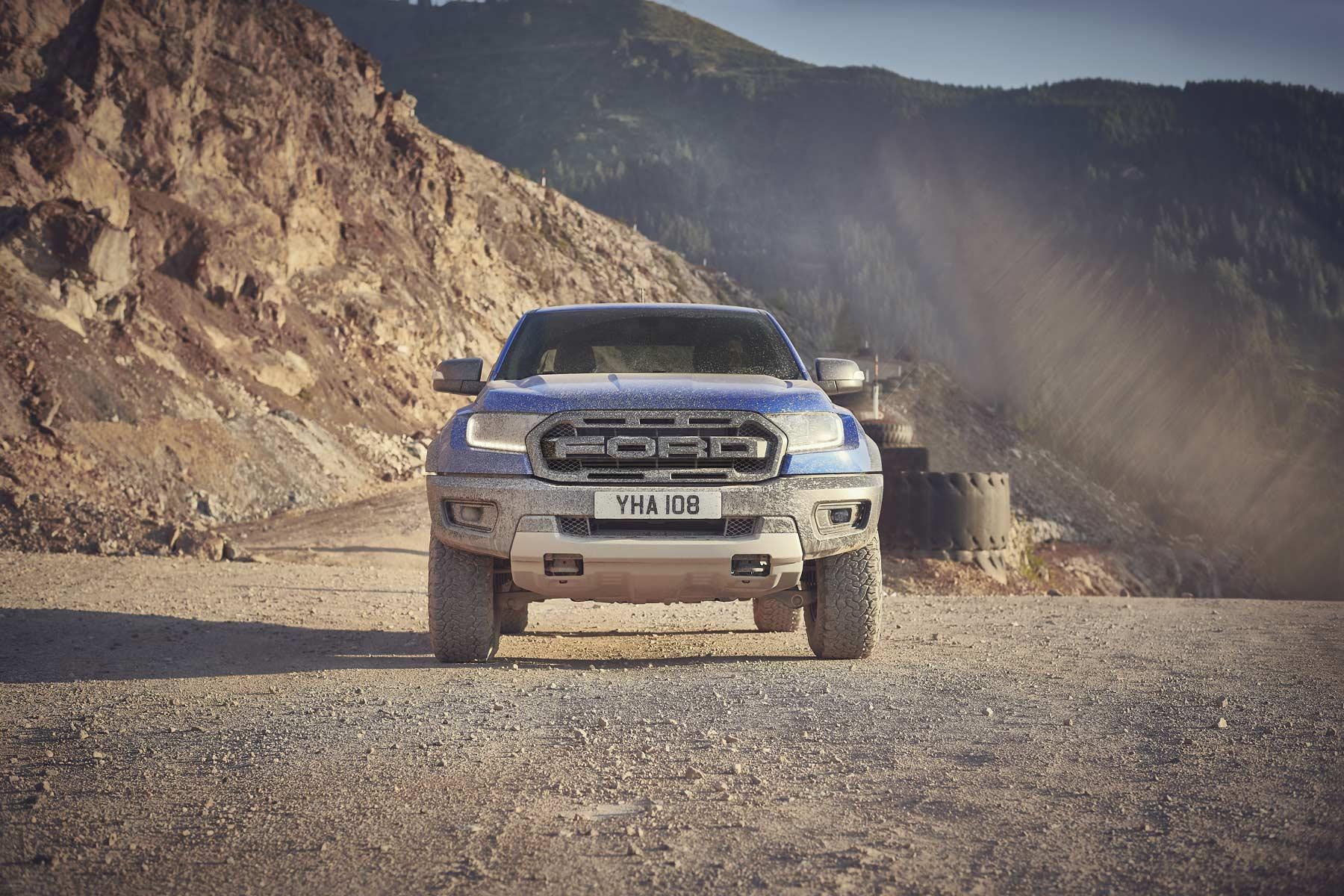 Ford Ranger Raptor 5_2018_ford_ranger_raptor_shot25_front_off-road_v4.2