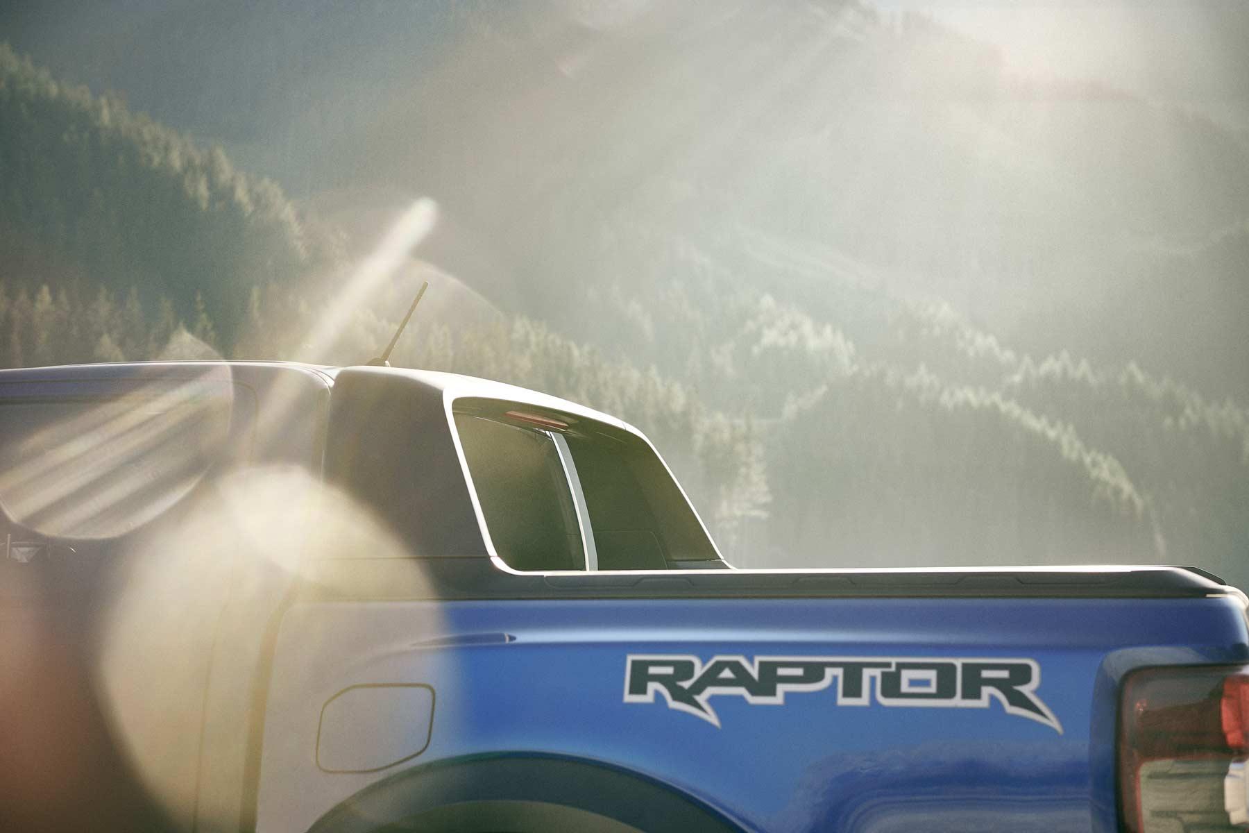 Ford Ranger Raptor 6_2018_ford_ranger_raptor_shot26_rear_side_detail_v1