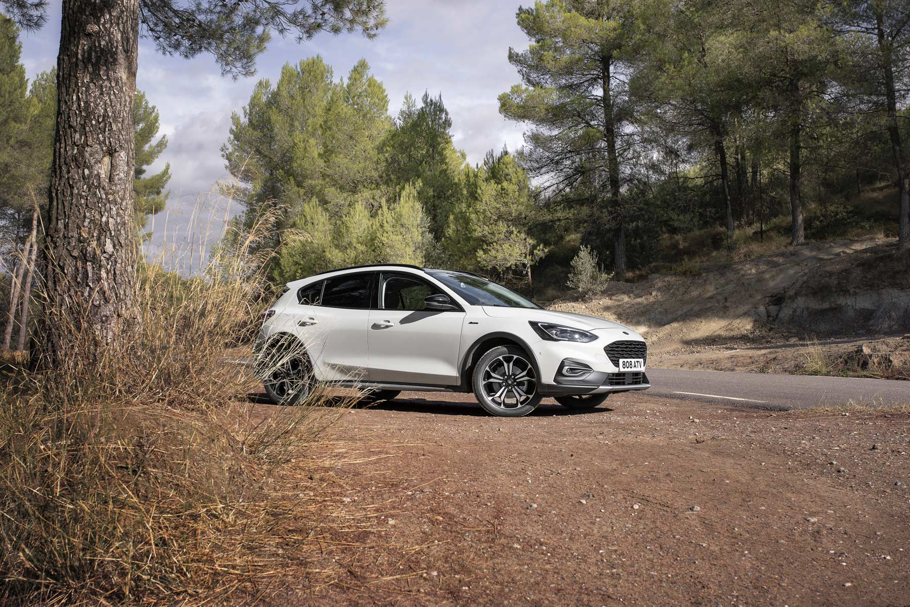 Ford Focus Active ford_2018_focus_active_wagon_nov_16